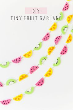 This tiny fruit garland is so cute and easy to make! …
