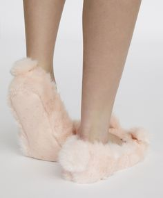 - Find more trends in women fashion at Oysho . Bunny Slippers, Pink Slippers, Slipper Socks, Pyjamas, Womens Fashion, Pink Sandals, Loafer, Women's Fashion, Woman Fashion