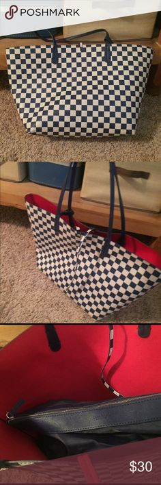 Zara checkered slouchy tote Zara checkered slouchy tote bag! Reversible red interior. Comes with removable blue zipper pouch. Cute Louis Vuitton like pattern! Material is flat vegan leather Zara Bags Totes