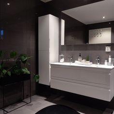 God morgen Håper dere får en fin ukesstart - - Badet mitt er med i ukens bad k. Bathroom Interior Design, Interior Design Living Room, Bedroom Green, Bedroom Decor, Dere, Grey Bathrooms, Bathroom Renovations, Room Inspiration, Decoration