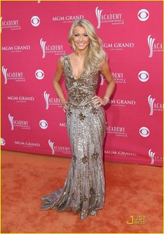 julianne hough. beautiful dress!