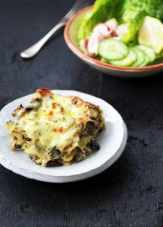 Creamy mushroom, chicken & kale lasagna (GF) Creamy Mushroom Chicken, Mushroom Lasagna, Chicken Lasagna, Creamy Mushrooms, Stuffed Mushrooms, Stuffed Peppers, Lasagne Recipes, Kale Recipes, Gf Recipes