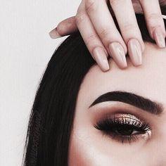 Imagem de makeup, nails, and beauty