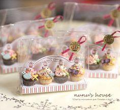 Cupcakes by Nunu's House for miniature dollhouse bakery.