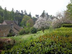 Parc Verdoyant Terrain Constructible, Vineyard, Mountains, Nature, Travel, Outdoor, Park, Outdoors, Viajes
