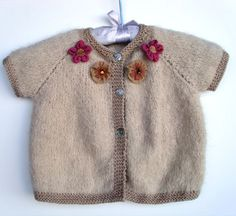 Top down baby cardi by Louise Felice (free pattern)
