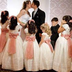 Low Key Wedding Dress, Wedding Flower Girl Dresses, Bridesmaid Flowers, Bridal Dresses, Bridesmaid Dresses, Saree Wedding, Wedding Gowns, Wedding With Kids, Bride Hairstyles