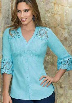 Like this top Look Fashion, Hijab Fashion, Fashion Dresses, Fashion Design, Blouse Patterns, Blouse Designs, Red Blouses, Blouses For Women, Blouse And Skirt