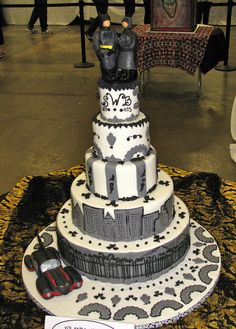 Batman and Catwoman Wedding Cake,   Except I see her as doing Batman and Harley Quinn!!!