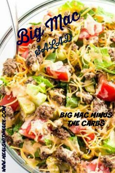 What healthier way to enjoy a homemade Big Mac than a big salad, right? Seriously, I don't even miss the bread when I make this one. It's the classic combination of smoky ground beef, crisp romaine… Salad Recipes, Diet Recipes, Healthy Recipes, Healthy Foods, Snack Recipes, Homemade Big Mac, Tartiflette Recipe, Big Mac Salad, Dining