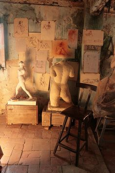sculptor's studio by cacahuete's, via Flickr
