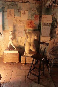 sculptor's studio by cacahuete's, via Flickr