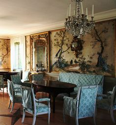 Scandinavian Interiors, French Interiors, Scandinavian Furniture, Antique Decor, Antique Furniture, Vintage Antiques, Dining Room, Dining Table, Decorative Paintings
