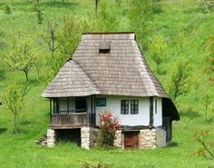Traditional rural Romanian house in Oltenia, Romania Romanian People, Visit Romania, Romania Travel, Rural House, Bucharest, Little Houses, Traditional House, Design Case, Architecture