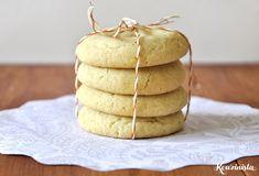Cookies που ζήλεψαν τη νοστιμιά και το άρωμα των λατρεμένων ρολών κανέλας. Ένα μυστικό που το έκρυψαν καλά μέσα στη ζύμη τους και σου το φανερώνουν, μόνο αν τα δαγκώσεις. Κάθε μπουκιά σου αποκαλύπτ…