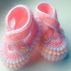 Baby Knitting Patterns Knitting For Kids Knitting Designs Crochet For Kids Crochet Baby Booties Layette Baby Wearing Baby Dress FethiyeOpis fotky nie je k dispozícii. Knit Baby Booties, Crochet Baby Shoes, Crochet Baby Clothes, Crochet Slippers, Baby Booties Free Pattern, Baby Shoes Pattern, Crochet Converse, Baby Slippers, Baby Knitting Patterns