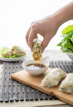 Asian Chicken Lettuce Wrap Spring Rolls are fresh easy and delicious! Asian Chicken Lettuce Wrap Spring Rolls are fresh easy and delicious!Asian Chicken Lettuce Wrap Spring Rolls are fresh easy and delicious! Rice Paper Wraps, Rice Wraps, Wrap Recipes, Asian Recipes, Healthy Recipes, Asian Foods, Oriental Recipes, Fish Recipes, Healthy Meals