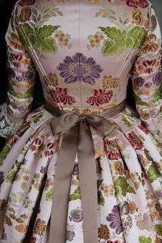 Traje S.XVIII FMV 2014 Civil War Dress, Victorian Costume, 18th Century Fashion, Textiles, Vintage Fashion, Vintage Style, Costumes, Womens Fashion, How To Wear
