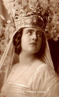 Elisabeth of Romania, wife of George II of Greece. Daughter of Marie of Romania, Elizabeth had the temperament of an artist. Her marriage did not last long. Princess Alexandra, Princess Elizabeth, Princess Victoria, Queen Victoria, Romanian Royal Family, Greek Royal Family, History Of Romania, Greek Royalty, Adele