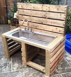 repurposed wood pallet sink idea