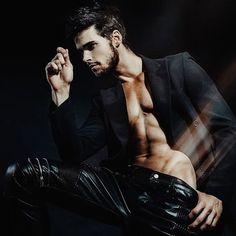 Hot Men, Sexy Men, Lucas Aurelien, Tarzan, Men Sunglasses Fashion, Portrait Photography Men, Hunks Men, Hommes Sexy, Hairy Chest