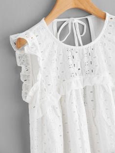 White Eyelet Embroidered Ruffle Sleeve Open Back Top – Lyfie Casual Dresses, Casual Outfits, Fall Outfits, Fashion Outfits, Love Fashion, Womens Fashion, Lace Tops, Baby Dress, Casual Chic