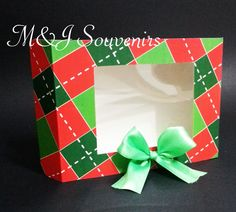 Caja para dulces tematica: personalizada Materiales: cartulina, cinta