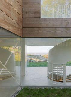 Modern Home's Transparent Ground Floor Radiates at Night - My Modern Metropolis