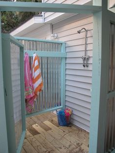 Jane Coslick Designs - outdoor shower for the cottage. Outdoor Baths, Outdoor Bathrooms, Small Woodworking Projects, Outside Showers, Outdoor Showers, Beach Shower, Pool Shower, Shower Enclosure, Dream Beach Houses