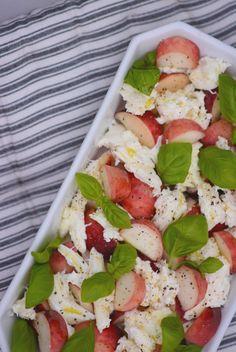 Salat: Fersken-caprese
