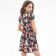 For warm summer days and steamy summer nights, there's nothing sweeter than a floral print dress. This dress features floral print pattern,retro and stylish. Short sleeve,round neck and pleated design,filled with fashion and sweet sense. With waistband design,can perfect show your slender figure. - See more at: http://pgfancy.bigcartel.com/product/grxjy56003075-retro-floral-print-round-neck-short-sleeve-dress#sthash.WZ6FtvMX.dpuf