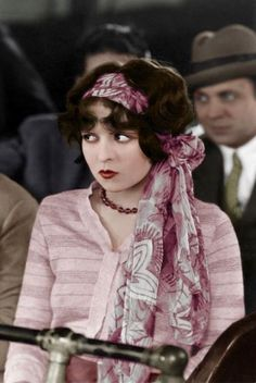 Clara Bow in Rough House Rosie 1927 Old Hollywood Stars, Vintage Hollywood, Hollywood Glamour, Classic Hollywood, Mode Vintage, Vintage Ladies, Turbans, Vintage Beauty, Vintage Fashion
