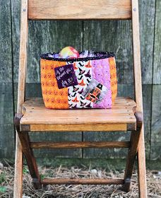 Cream Craft: Fab-Boo-Lous Candy Fruit Baskets for Riley Blake Designs Halloween Fabric, Halloween Prints, Halloween Coloring, Riley Blake, Baskets, Two By Two, Candy, Cream, Fruit