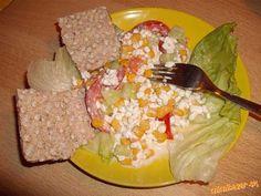 lahky a zdravy salatik s cottage cheesom Cottage, Meat, Chicken, Food, Cottages, Essen, Meals, Cabin, Yemek