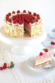 Fantastic raspberry cream cake with two-tone effect - recipe and video- Traumhafte Himbeer-Sahne-Torte mit zweifarbigem Effekt – Rezept und Video Fantastic raspberry cream cake with two-tone effect -… - Sugar Cream Pie Recipe, Cream Pie Recipes, Cookie Recipes, Dessert Recipes, Cupcake Recipes, Cheesecake Recipes, Cupcakes, Cupcake Cakes, Torte Au Chocolat