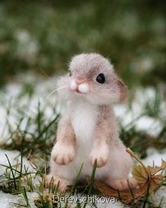 Крольчонок Микки🐰 Малыш сделан на заказ. В резерве. Reserve. #rabbit #feltingtoys #feltingwool #animals #крольчонок #кролик #зайчик #сухоеваляние #игрушкаизшерсти #авторскаяигрушка