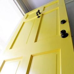 Step-By-Step Instructions on Painting Your Front Door {Doors}..doing this to our front door this summer