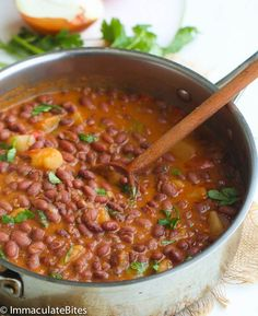 Puerto Rican Style Beans Puerto Rican Style beans – A hearty red beans simmered in an aromatic sauce with big bold flavors. Quick, easy and simply delicious. Pea Recipes, Mexican Food Recipes, Side Dish Recipes, Vegetarian Recipes, Cooking Recipes, Healthy Recipes, Puerto Rican Chicken Stew, Puerto Rican Beans, Spanish Beans