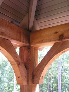 New House Journal: Timber Frame Front Porch Cedar beams, post and brackets Front Porch Columns, Front Porch Design, Porch Roof, Craftsman Front Porches, Country Front Porches, Front Porch Posts, Porch Awning, Veranda Design, Cedar Posts