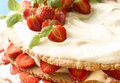 Kesäinen mansikkakakku Cheesecake, Desserts, Food, Tailgate Desserts, Deserts, Cheesecakes, Essen, Postres, Meals