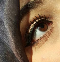 Beautiful eyes with Hijab Stylish Girls Photos, Stylish Girl Pic, Girl Photos, Eye Pictures, Girly Pictures, Beauty Full Girl, Cute Beauty, Beautiful Hijab, Beautiful Eyes