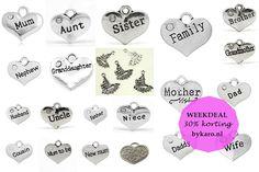 Het is bijna Moederdag en daarom shop je deze week alle familiebedels met korting! | www.bykaro.nl voor kralen, bedels en meer...
