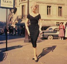 Christian Dior Little Black Dress | En los años 50 será Christian Dior quien reinterpreta el LBD como ...