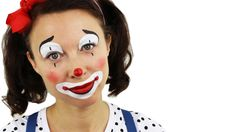 This is a very easy and cute clown. A professional circus clown might tell you that the white should not be on the upper lip as it will make the smile then look even bigger. Clown Face Makeup, Easy Clown Makeup, Clown Face Paint, Circus Makeup, Kids Makeup, Halloween Face Makeup, Makeup Ideas, Face Painting Tutorials, Face Painting Designs