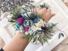 リストブーケ プリザーブドフラワー&ドライフラワー Minne, Floral Wreath, Wreaths, Decor, Flower Crowns, Door Wreaths, Decorating, Deco Mesh Wreaths, Dekoration