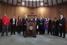 Aristóbulo Istúriz consignó el Presupuesto Nacional 2017 en el TSJ - http://www.notiexpresscolor.com/2016/10/14/aristobulo-isturiz-consigno-el-presupuesto-nacional-2017-en-el-tsj/