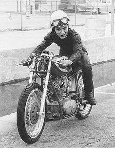 Flat Track Motorcycle, Cafe Racer Motorcycle, Motorcycle Style, Vintage Honda Motorcycles, Ducati Motorcycles, Cars And Motorcycles, Ducati Models, Ducati Sport Classic, Moto Ducati