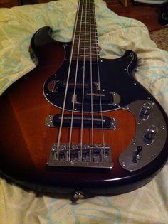 Yamaha BB1025x Yamaha Bass, Music Instruments, Guitar, Musical Instruments, Guitars
