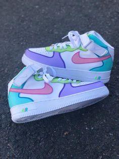 Cute Nike Shoes, Cute Nikes, Jordan Shoes Girls, Girls Shoes, Zapatillas Jordan Retro, Comfortable Mens Shoes, Nike Shoes Air Force, Swag Shoes, Aesthetic Shoes