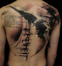 Tatuaje-Cuervo-Volando - 60+ Mysterious Raven Tattoos  <3 <3